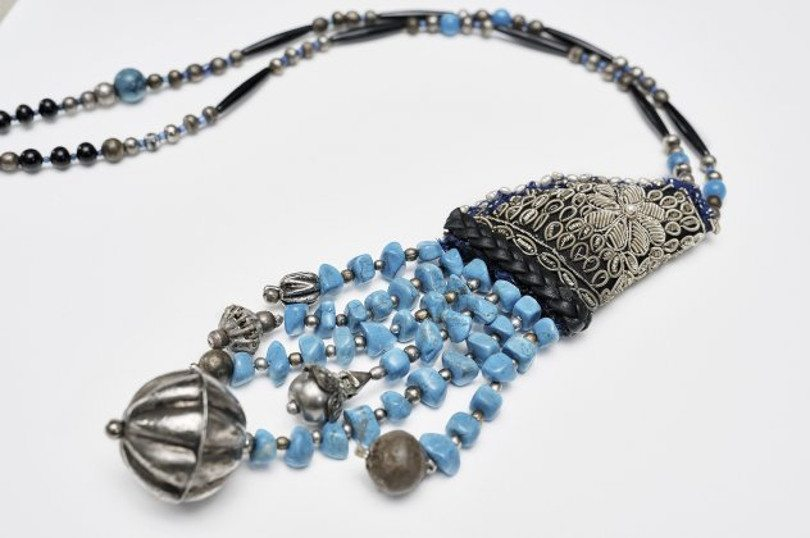 Made In Greece: Η Χριστίνα Αθανασούλα – Μαντζαβίνου και τα υπέροχα χειροποίητα κοσμήματά της – Στο Art Shop της Γκαλερί Ευριπίδη