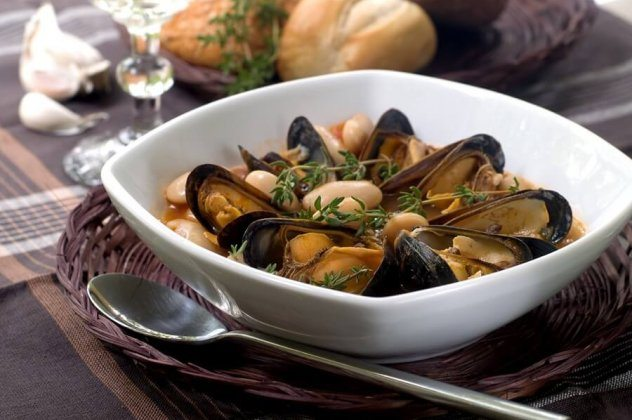 Bean Mussel Soup 900 1