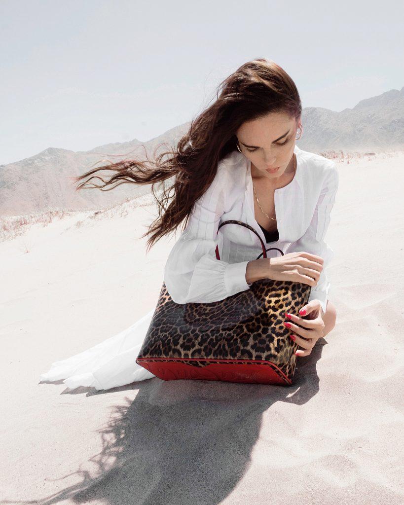 Είναι από τις λίγες Ελληνίδες fashion bloggers που έχει καταφέρει να  συνεργαστεί με επιτυχία με διεθνή luxury brands όπως Valentino 6b7e426549d