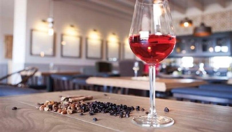 Η SEMELI μας συστήνει τα δύο νέα κρασιά που προσθέτει στη γκάμα της και μας προσκαλεί να τα δοκιμάσουμε!