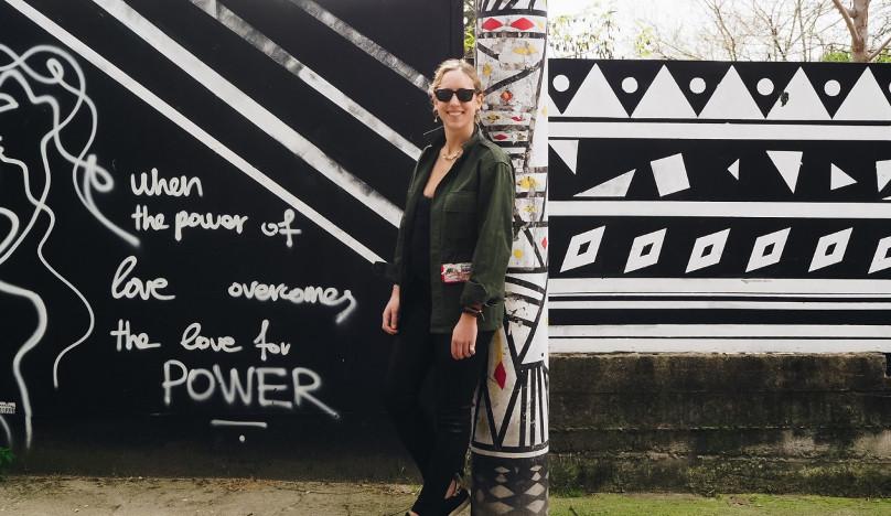 Τα απίθανα Army Jackets της Zoe Keros – Η νεαρή σχεδιάστρια φτιάχνει τα ρούχα που θέλει να έχει στη ντουλάπα της