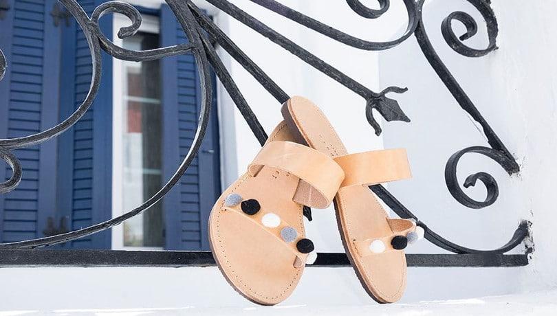 Ελληνικό καλοκαίρι χωρίς τα σανδάλια Isapera της Μελίσσας Μεταξά γίνεται; Δεν γίνεται! – Το απόλυτο Must για τις εμφανίσεις σας από την Μύκονο