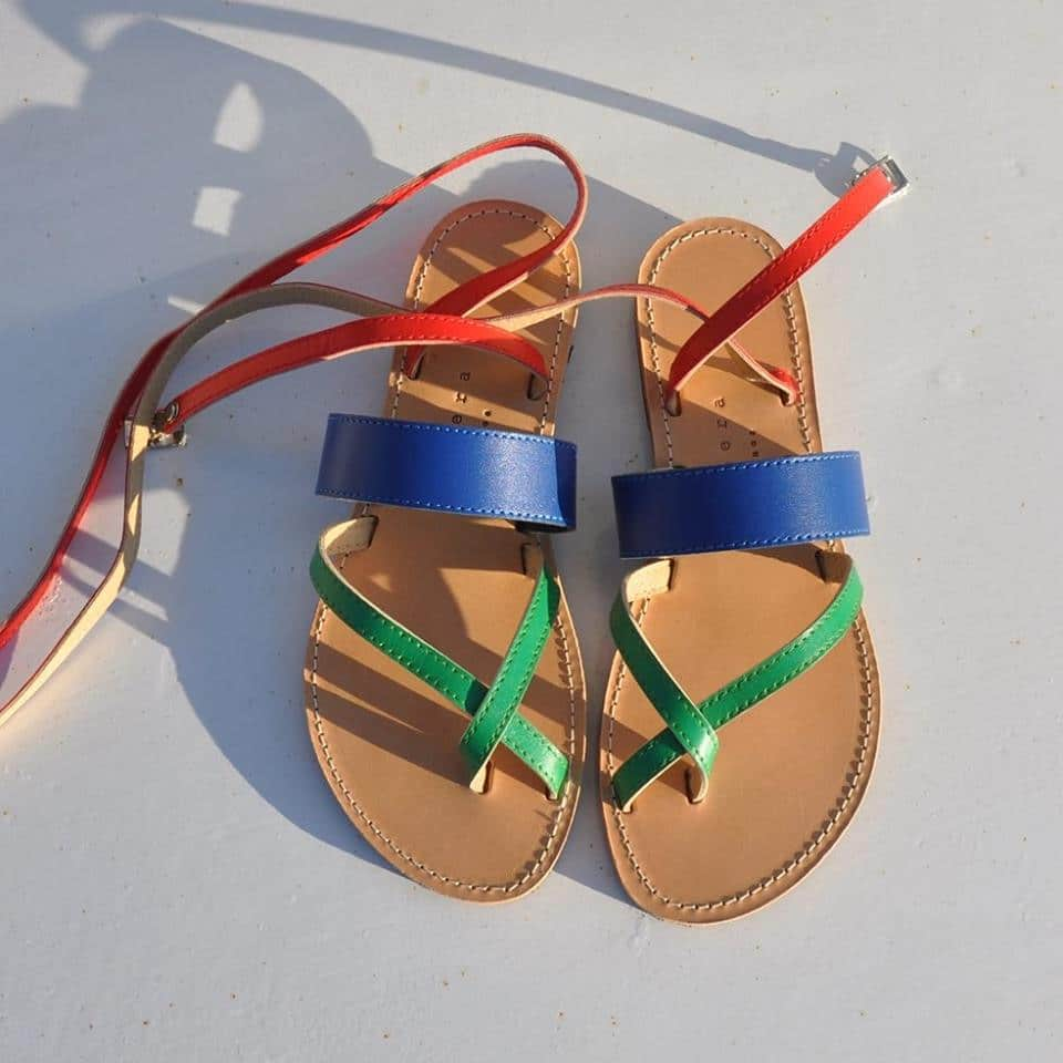 Ελληνικό καλοκαίρι χωρίς τα σανδάλια Isapera της Μελίσσας Μεταξά ... 8aef24b5e55