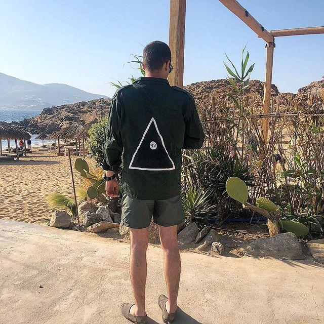 Τα απίθανα army jackets της Zoe Keros - Η νεαρή σχεδιάστρια φτιάχνει ... 1d3543e61b8