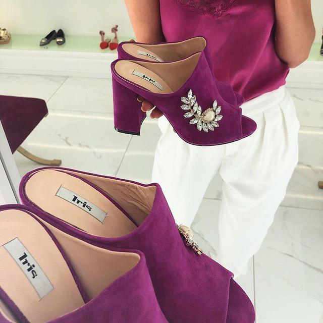 df3b1b7628c Σανδάλια, πέδιλα, γόβες, πλατφόρμες, mules, loafers και πολλά ακόμη  παπούτσια σε απίστευτη ποικιλία σχεδίων και χρωμάτων.