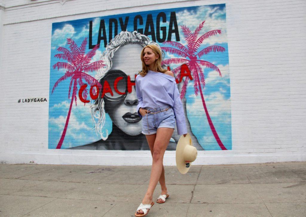 de4fd2917e7 Στο blog της www.filiometsi.com ποστάρει φωτογραφίες της από ταξίδια της,  φορώντας μοναδικούς συνδυασμούς ρούχων και δίνει συμβουλές για το στυλ και  την ...