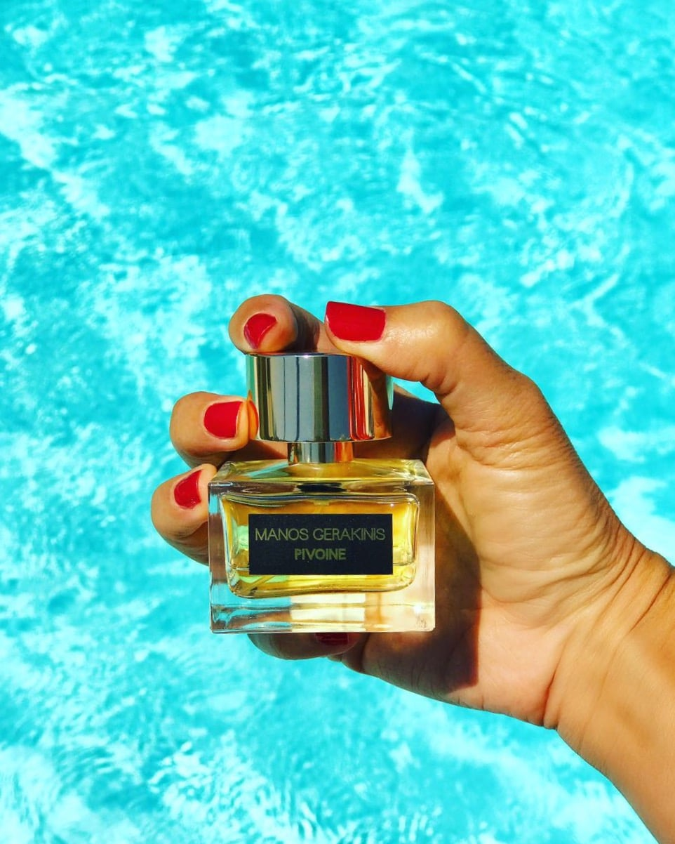 Τα αρώματα Manos Gerakinis Parfums διατίθενται σε επιλεγμένα σημεία στην  Ελλάδα και στο εξωτερικό. Στην Αθήνα θα τα βρείτε στο αρωματοπωλείο Heaven  on Earth ... 7ad7e6079b7