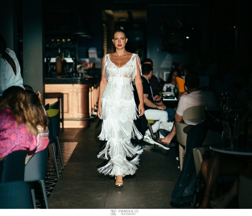 cb649fcefccf Tassos Mitropoulos Blended Fashion Show 2018  Περίτεχνα κρόσσια ...