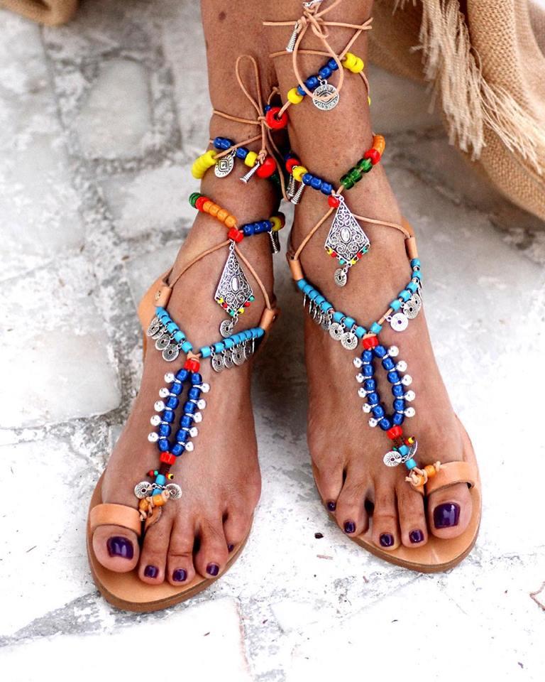 Τα χειροποίητα σανδάλια Elina Linardaki κατασκευάζονται στην Ελλάδα με  δέρματα εξαιρετικής ποιότητας ea56ada6e91