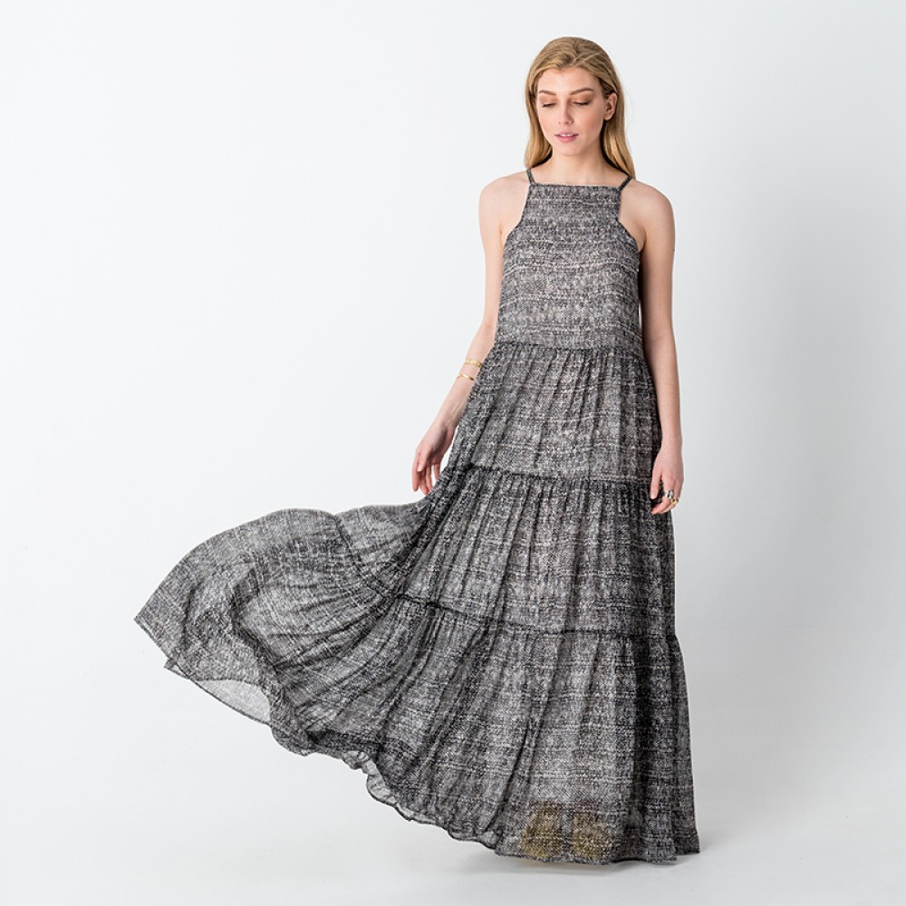 08e6349b79c Στο ρούχο οι χρωματικές και σχεδιαστικές επιλογές είναι αμέτρητες, από το  κλασικό μαύρο – άσπρο μέχρι πιο έντονα καλοκαιρινά χρώματα, κίτρινο, ...