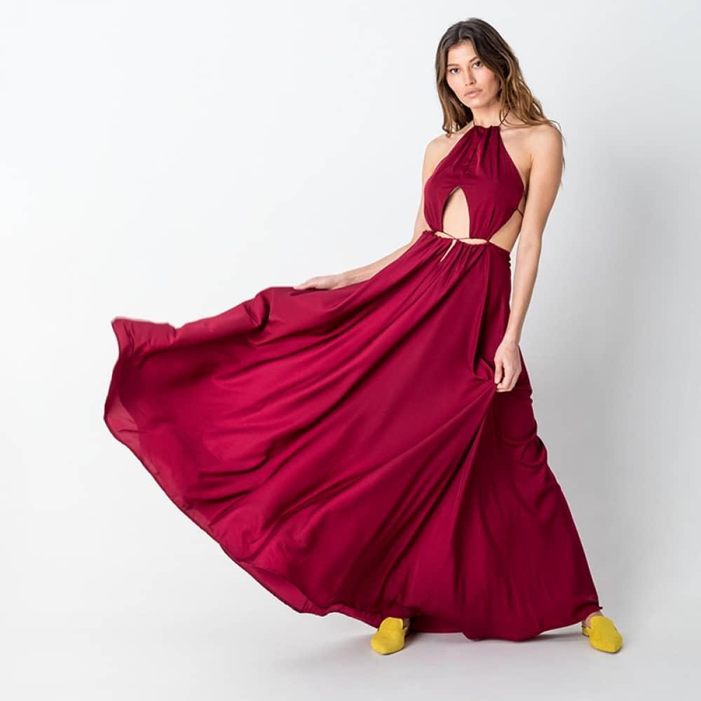 bdeada3120ed Στο ρούχο οι χρωματικές και σχεδιαστικές επιλογές είναι αμέτρητες, από το  κλασικό μαύρο – άσπρο μέχρι πιο έντονα καλοκαιρινά χρώματα, κίτρινο, ...