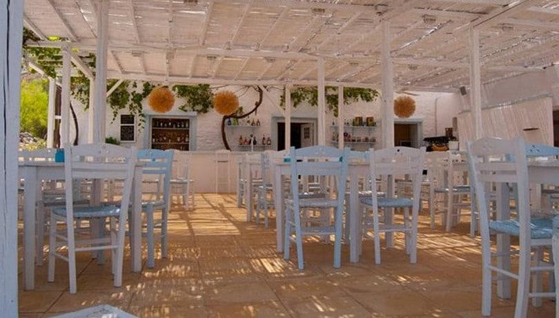 «Ενάλιον» για αυθεντική ελληνική κουζίνα & δροσερά Cocktail με θέα το γαλάζιο της Ύδρας