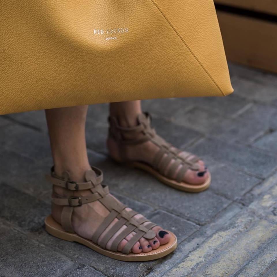 Τα Aelia Greek Sandals είναι 100% φτιαγμένα στο χέρι με γνήσια δέρματα και  made in Greece και το σίγουρο είναι πως θα απογειώσουν κάθε σας εμφάνιση  από τις ... 930e8b426e6