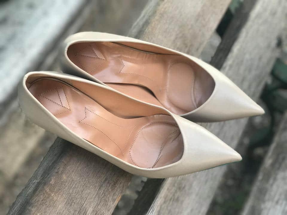 ... από τη σύλληψη της ιδέας μέχρι την ολοκλήρωση του παπουτσιού βήμα-βήμα.  Έτσι θα αποκτήσουμε το δικό μας μοναδικό παπούτσι φτιαγμένο ειδικά για εμάς! b1728c94857