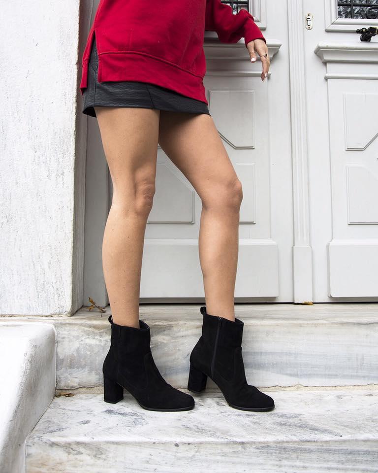 5edd37b7c92 Τα παπούτσια της Άννας Δεσποτοπούλου μπορείς να τα δεις και να τα  παραγγείλεις μέσα από τη σελίδα της στο facebookκαι τοinstagram.