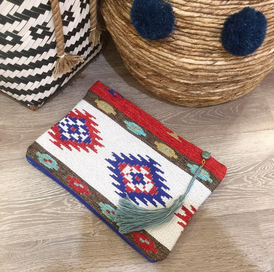 Made in Greece oι Miri Sopasi  Χειροποίητες υφαντές τσάντες σε ... f5083e6a885