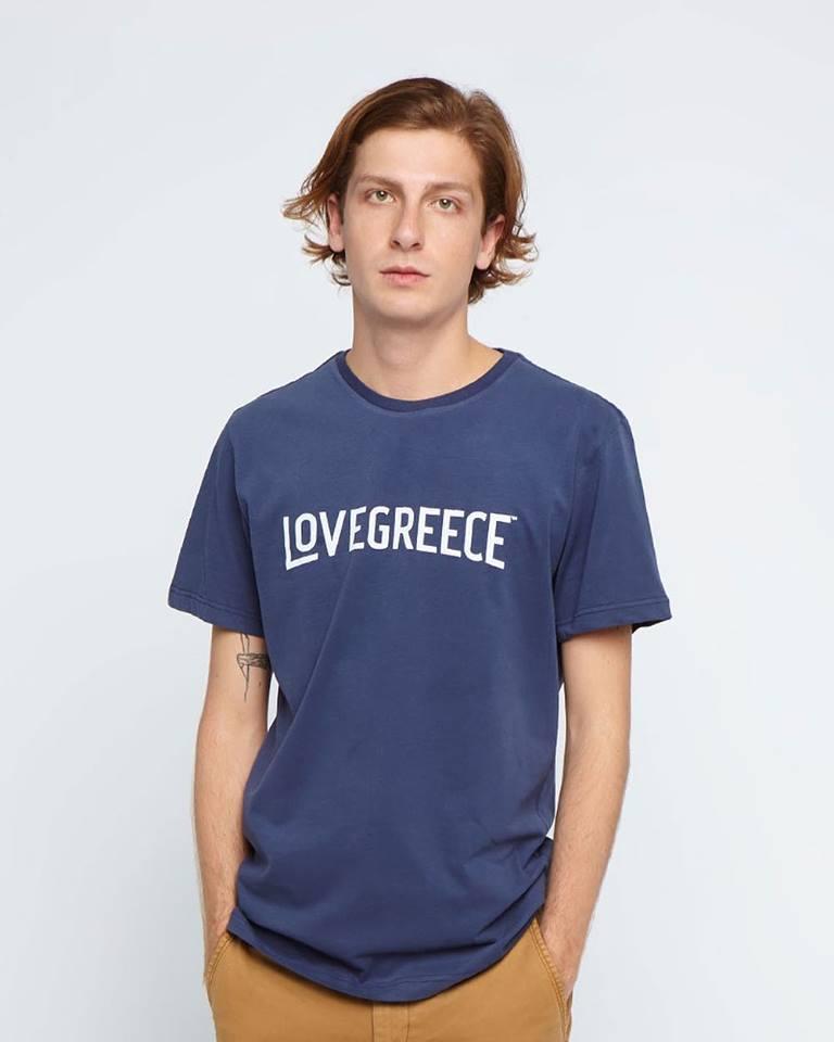 fd35bf49d8 Το δηλώνει ξεκάθαρα και το μότο του που θα δεις να αναγράφεται και πάνω στα  προϊόντα  «Made in Greece