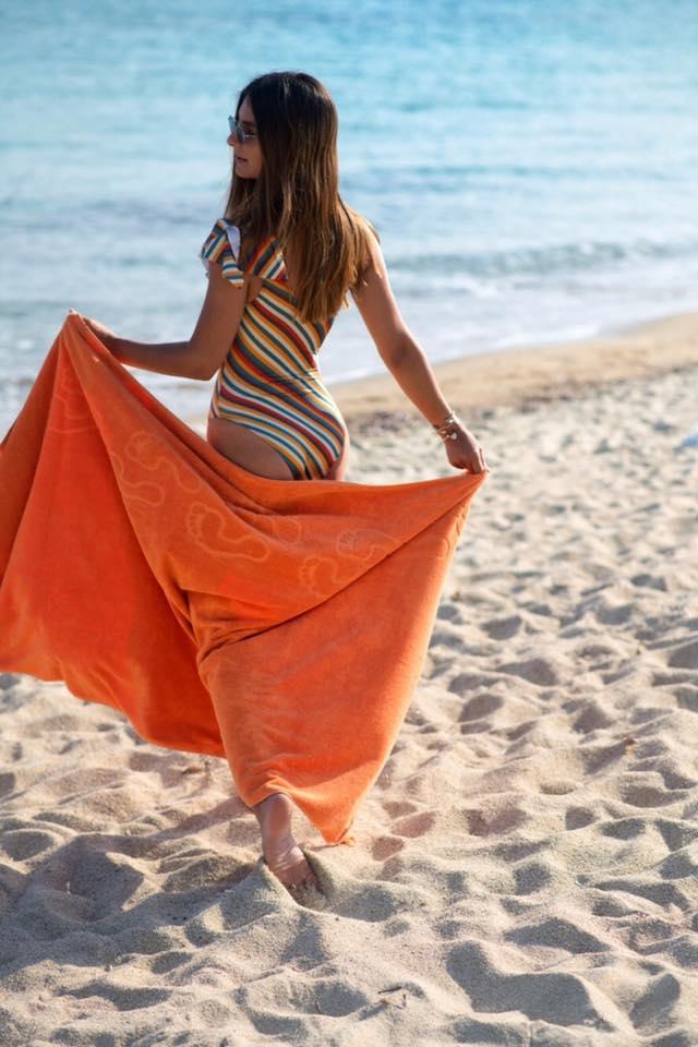 05e21eb82008 Η έμπνευση φυσικά δεν θα μπορούσε να προέρχεται από πουθενά αλλού παρά από  τις τάσεις της μόδας και το ατέλειωτο ελληνικό καλοκαίρι.