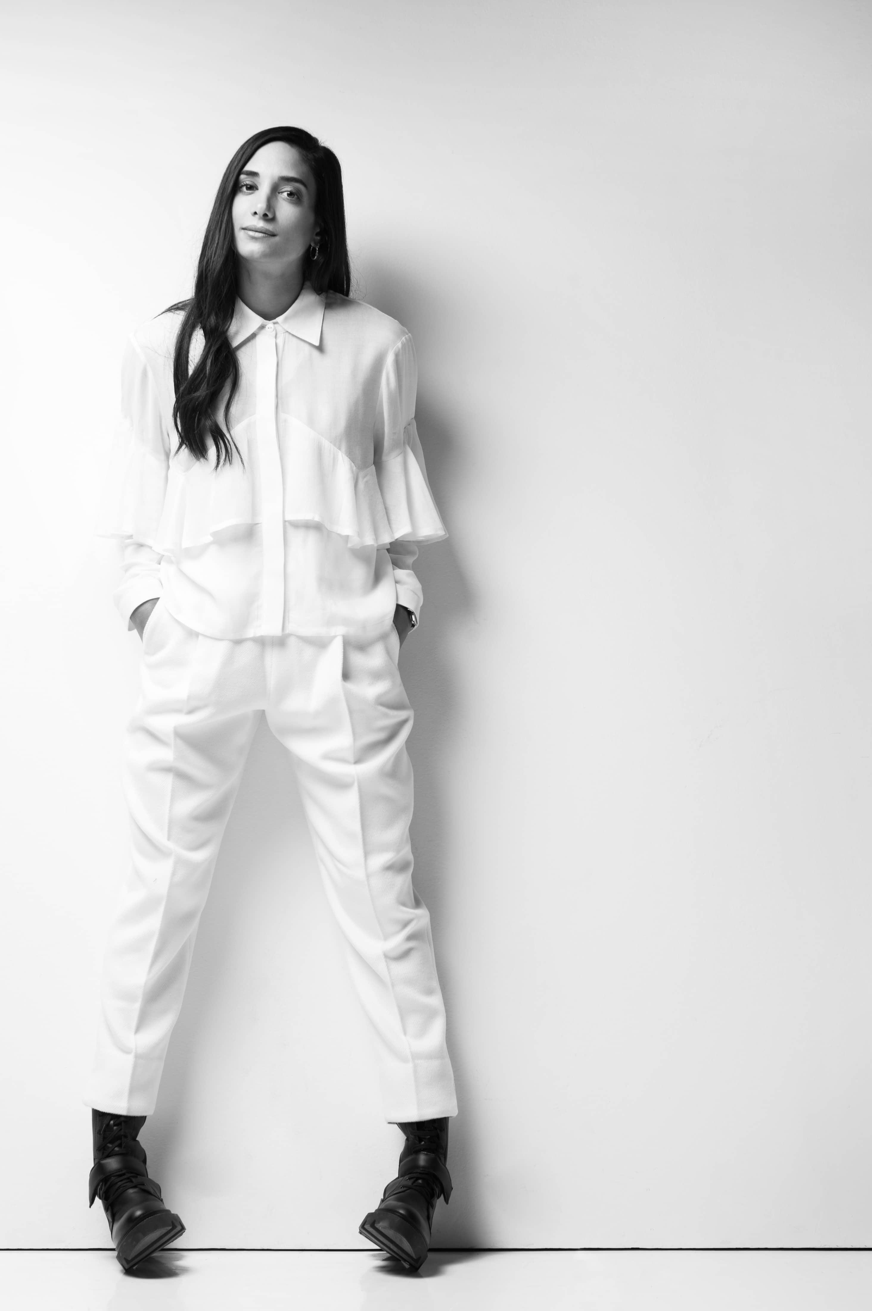 Η Νάντια έχει οικοδομήσει την επιχείρησή της βασισμένη στο πάθος της για τη  μόδα και τη θέληση να δημιουργεί μοναδικά και εναλλακτικά ρούχα σε μια  κορεσμένη ... 2019631487a