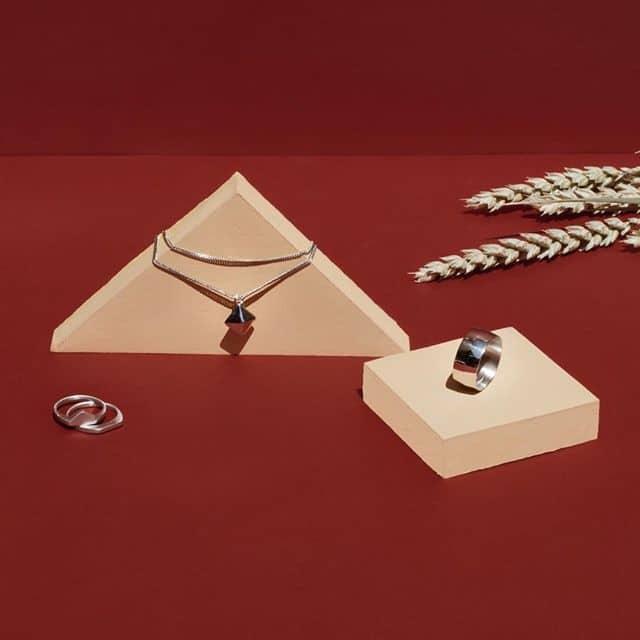 a98a4198c9 Αν θέλετε να δείτε τα κοσμήματα της κάθε συλλογής δεν έχετε παρά να  επισκεφτείτε το site της Πριγκιπώ www.prigipo.com ή το κατάστημα στο κέντρο  της Αθήνας.